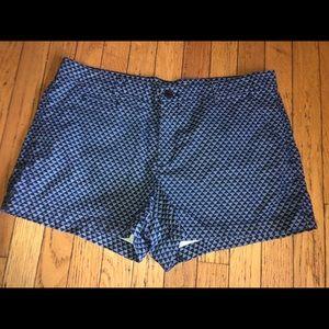 Ladies used Gap sz 12 blue patterned short shorts